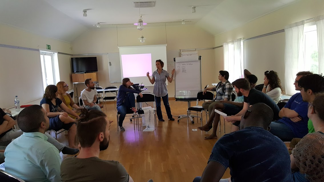 Ecumenical Youth Council in Europe's course on the Theology of Migration