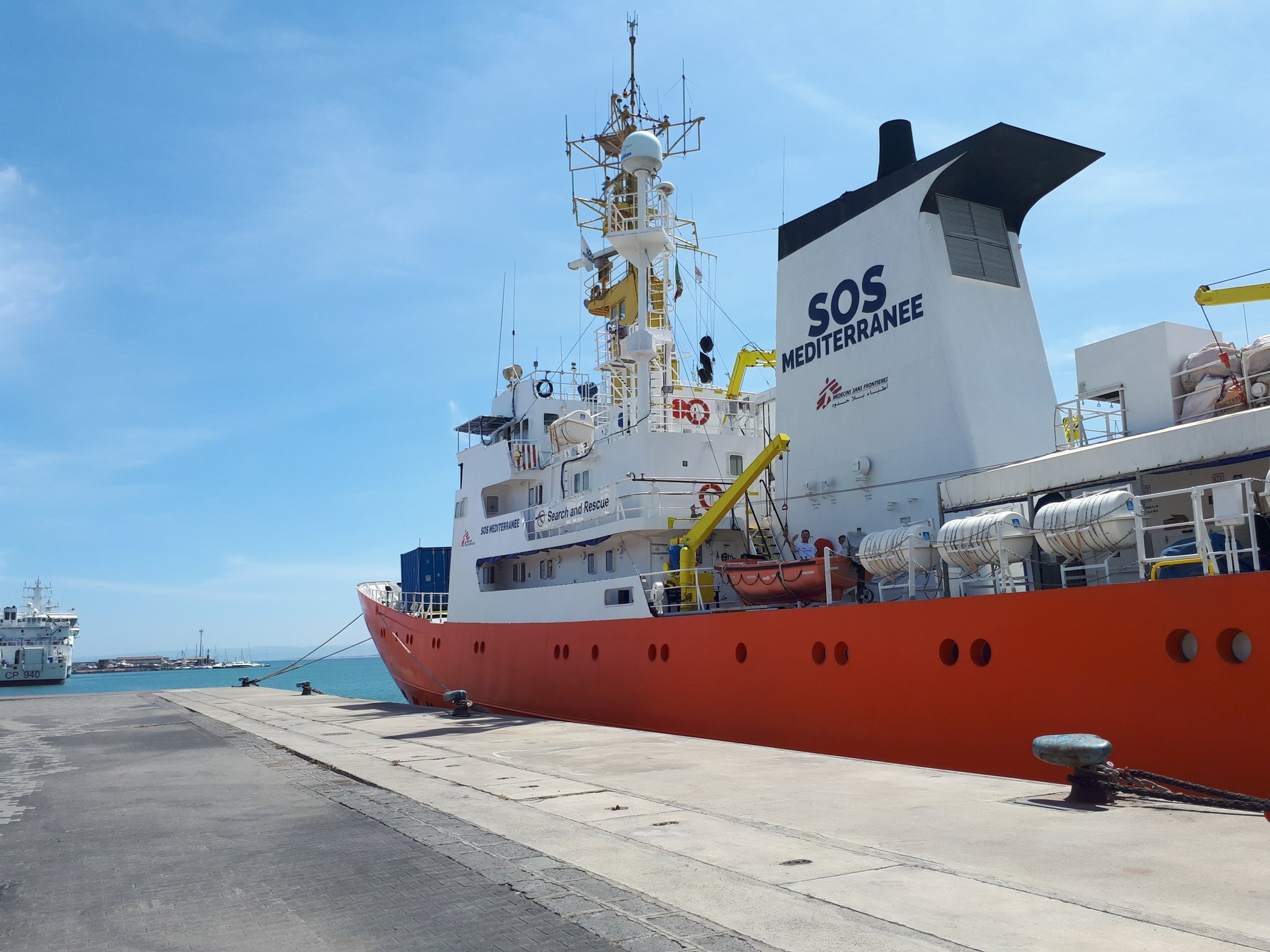 Rescue vessel #Aquarius refused permission to dock in Italy (updated)